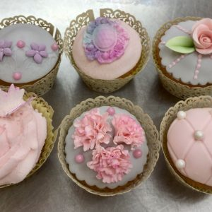 Cup Cake Decorating ..